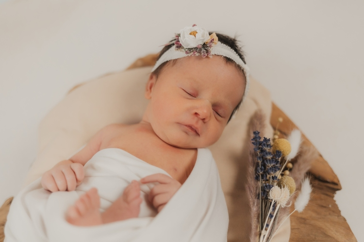 Newbornfotografie, Newbornfoto, Fotograf, Kärnten, Spittal, Greifenburg, Villach, Tamsweg, Seeboden, Feistritz, Babyfoto, Familienfotograf, Studiofotograf, Newbornshooting,